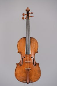 Violin / Giuseppe Guarneri (Cremona 1666-1740) c.1700